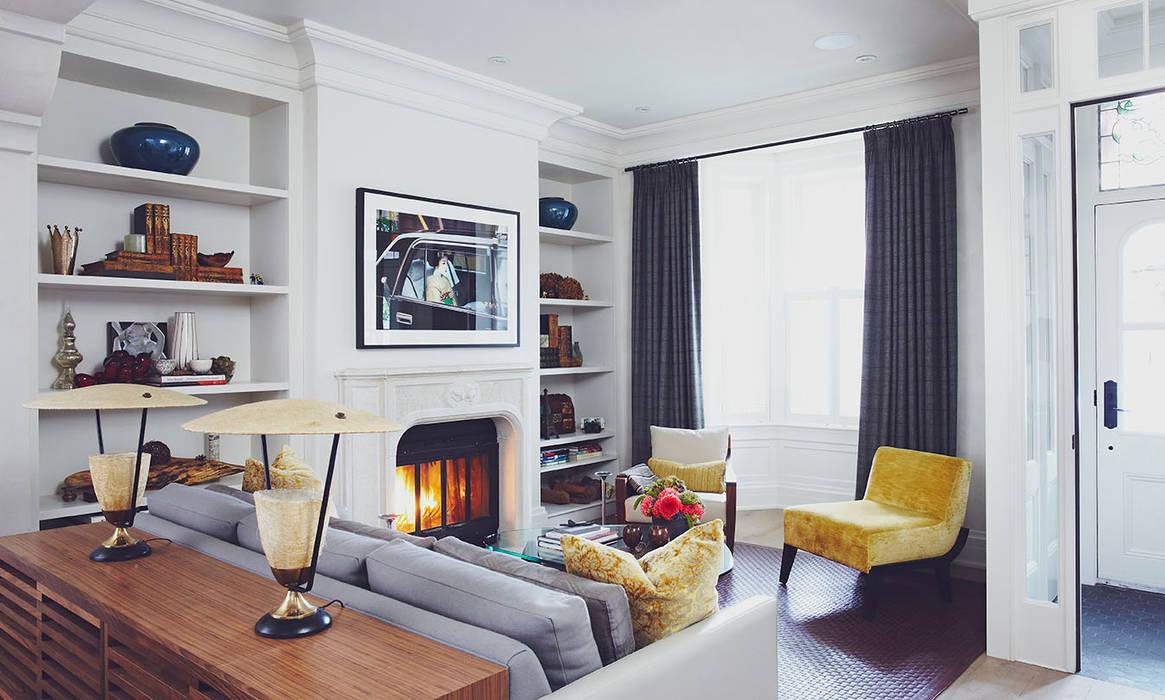 Ruang Keluarga oleh Douglas Design Studio, Klasik