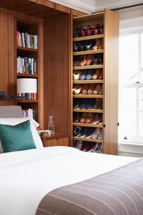 Shoe Storage:  Bedroom by Douglas Design Studio,