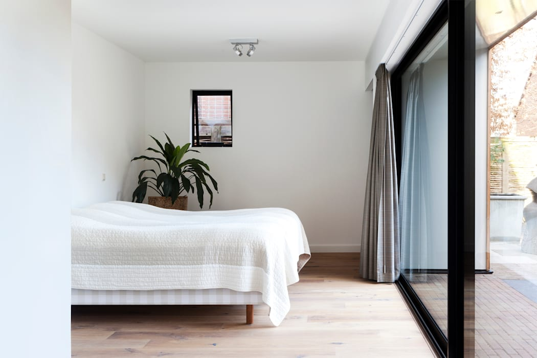 Modern style bedroom by Kevin Veenhuizen Architects Modern Aluminium/Zinc