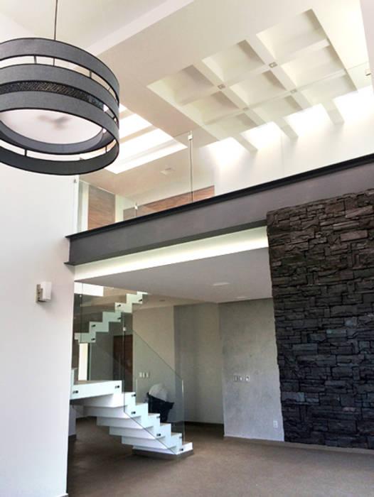 客廳 by Base-Arquitectura, 簡約風