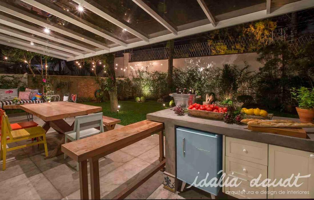 Balkon, Beranda & Teras Gaya Country Oleh IDALIA DAUDT Arquitetura e Design de Interiores Country