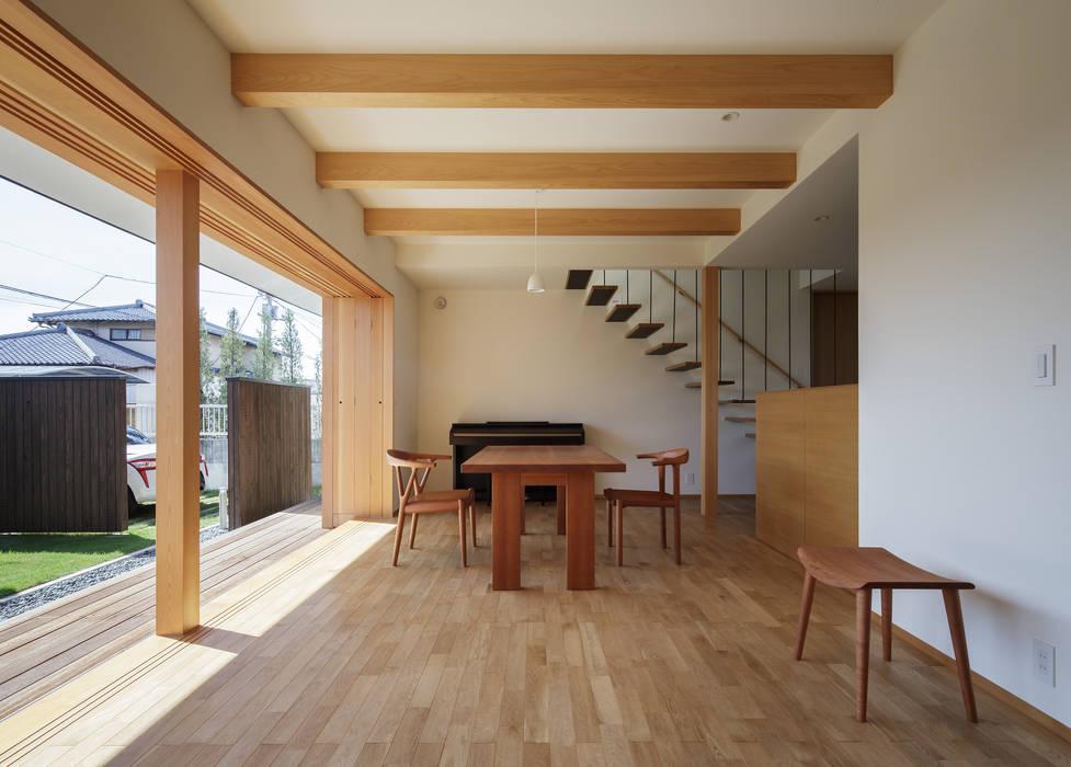 足利の住宅 モダンデザインの リビング の カトウアーキテクトオフィス モダン