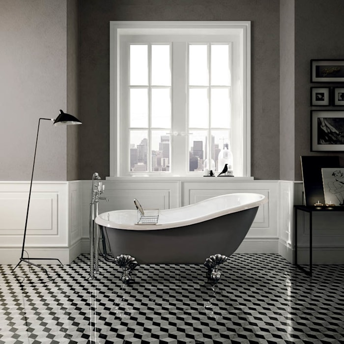 Regina Freestanding Bath:  Bathroom by Devon&Devon UK
