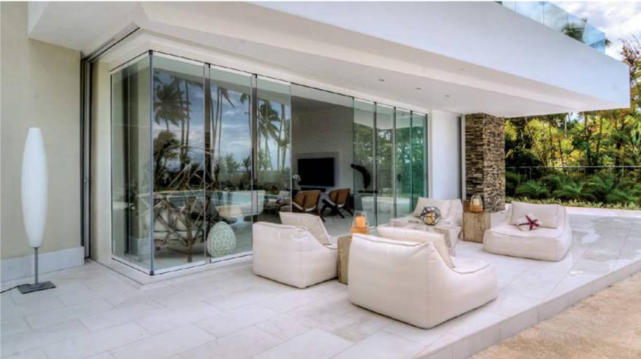 Cerramiento acristalado sin perfiles verticales Seeglass One en terraza: Ventanas de estilo  por AYUSO EURO SYSTEMS, S.A. DE C.V., Moderno Aluminio/Cinc