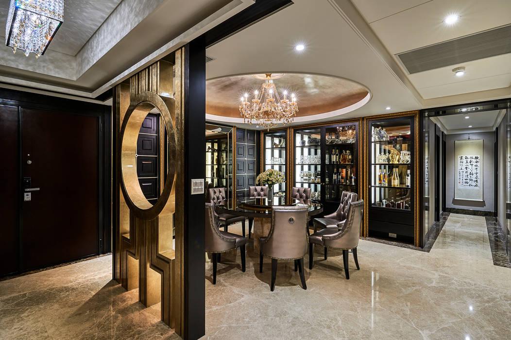 宮廷奢華!金雕細琢的穹頂燈影:  餐廳 by 青瓷設計工程有限公司