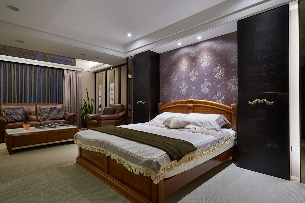 黑檀木櫃映襯紫花壁紙的優雅 青瓷設計工程有限公司 臥室