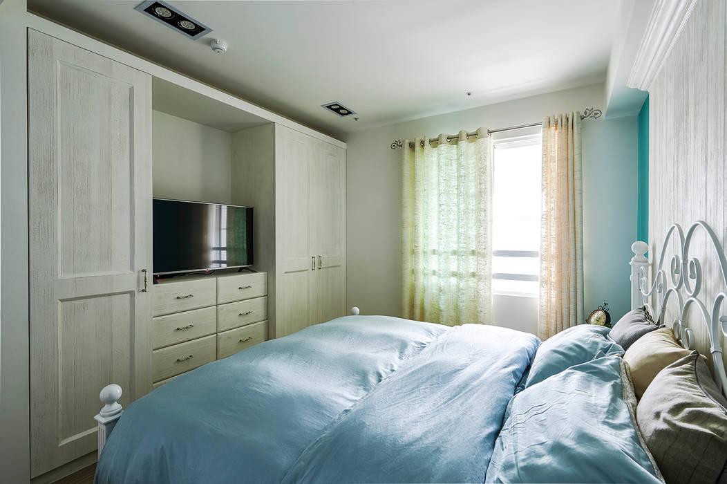 拉長格局縱身,完備了臥室機能 青瓷設計工程有限公司 臥室