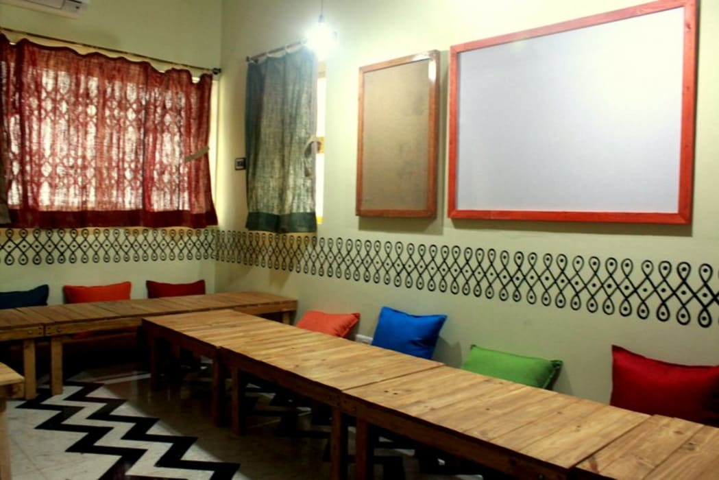 Zoomstart by Shweta Deshmukh & Associates Eclectic