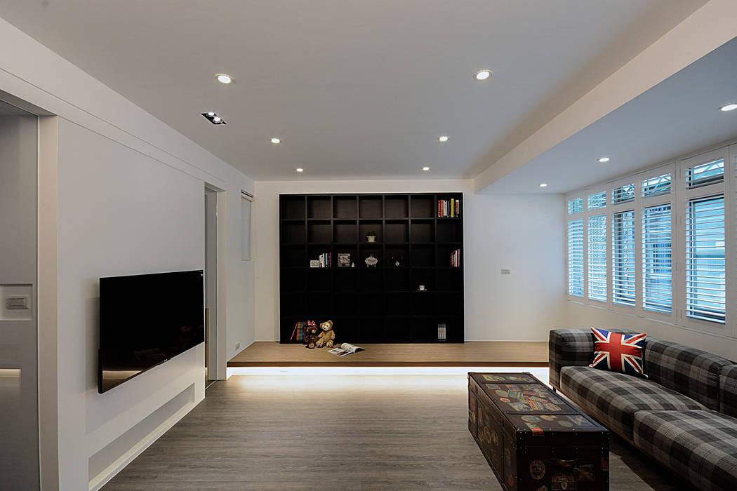 """溫馨復古愛""""現""""風 现代客厅設計點子、靈感 & 圖片 根據 瓦悅設計有限公司 現代風"""