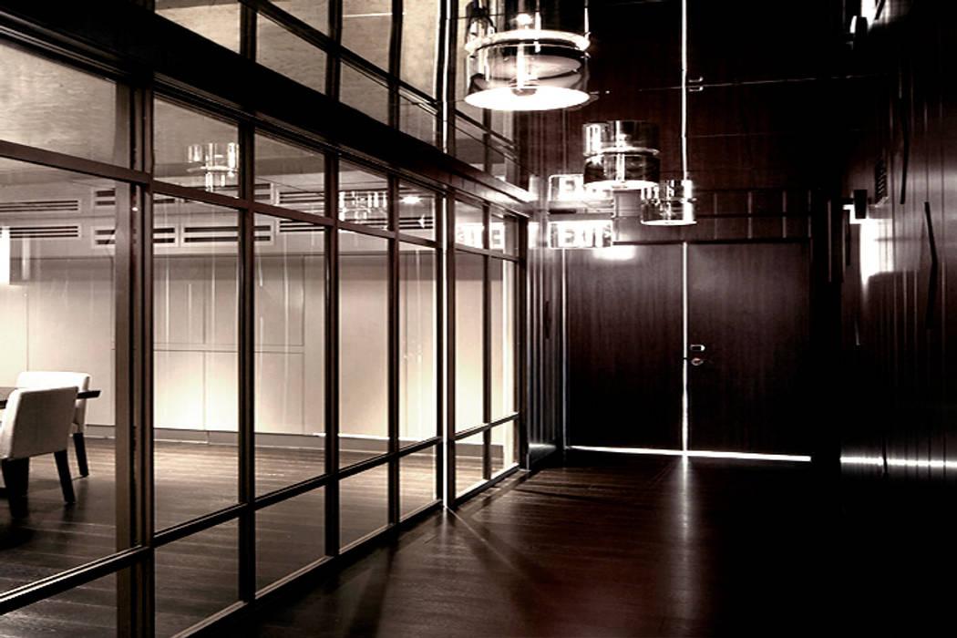 Hoteles de estilo moderno de Joe Ginsberg Design Moderno
