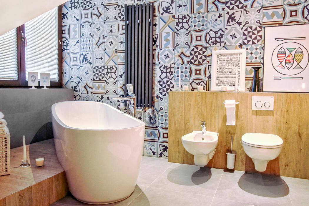 Salle de bains de style  par MOTHI.form