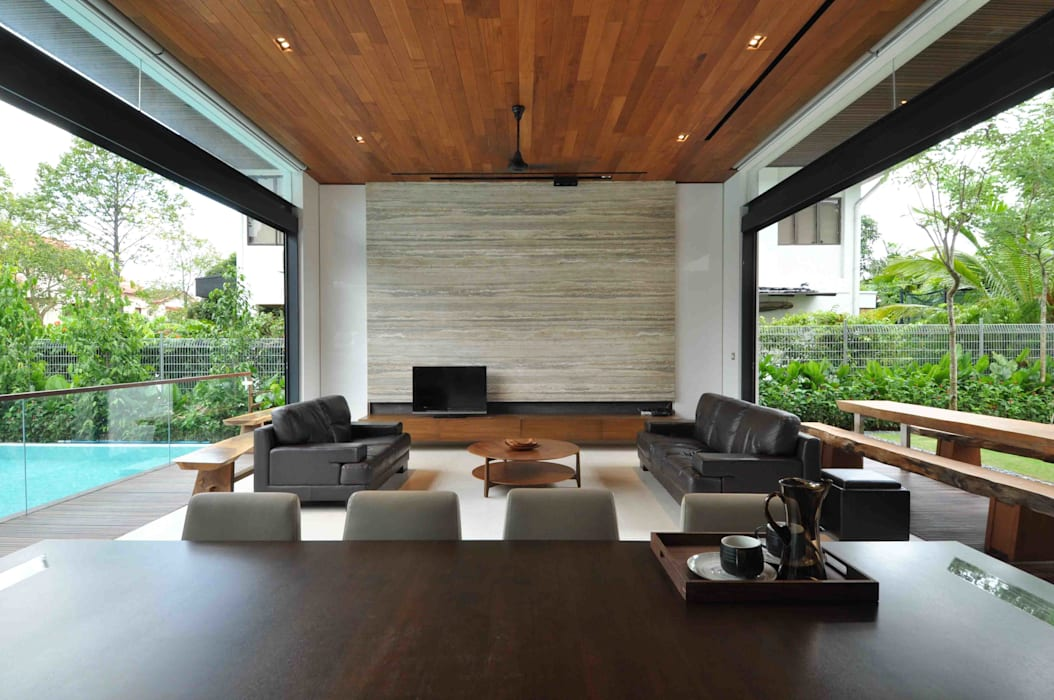 Sunset House:  Living room by ming architects