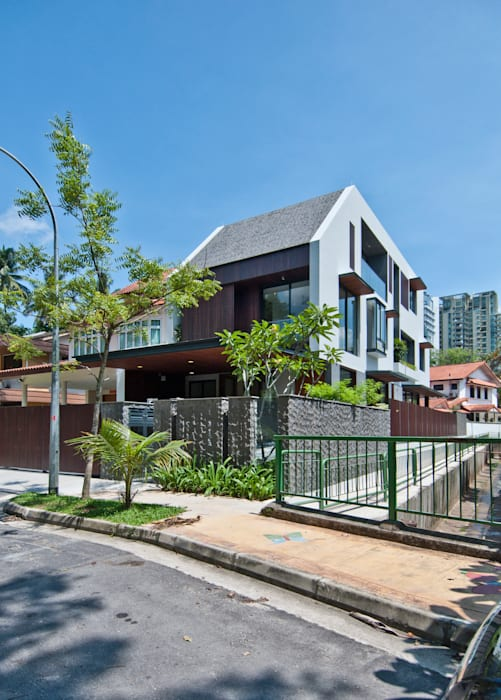 Moonbeam House Modern houses by ming architects Modern