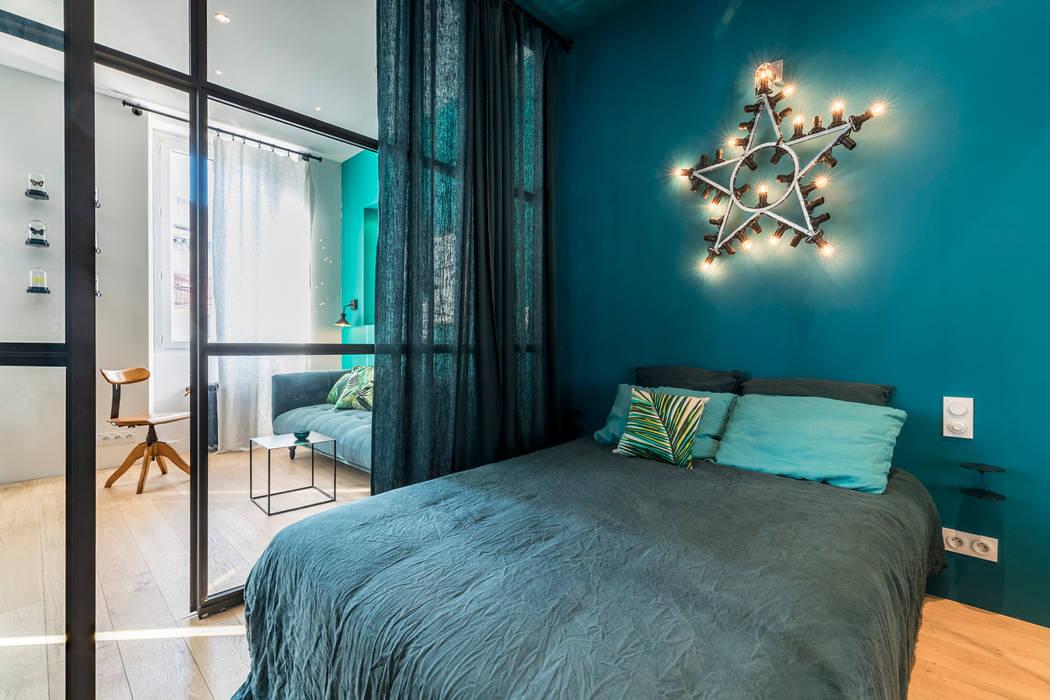 Une chambre douce: Chambre de style de style eclectique par Insides