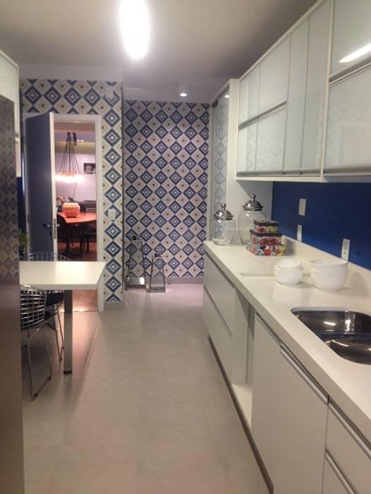 Camila Giongo Arquitetas Associadas - Decoração de Interiores ME Cuisine moderne Céramique Bleu