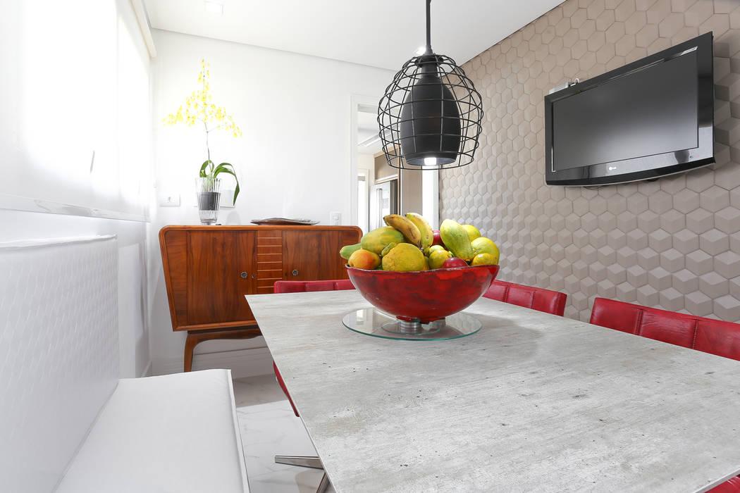 Copa Camila Giongo Arquitetas Associadas - Decoração de Interiores ME Salas de jantar modernas Cerâmica Cinza