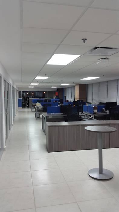 Delimitación de espacios.: Edificios de Oficinas de estilo  por ebanisART Espacio y Concepto