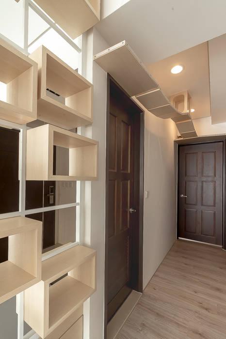 Modern Windows and Doors by 觀林設計 Modern