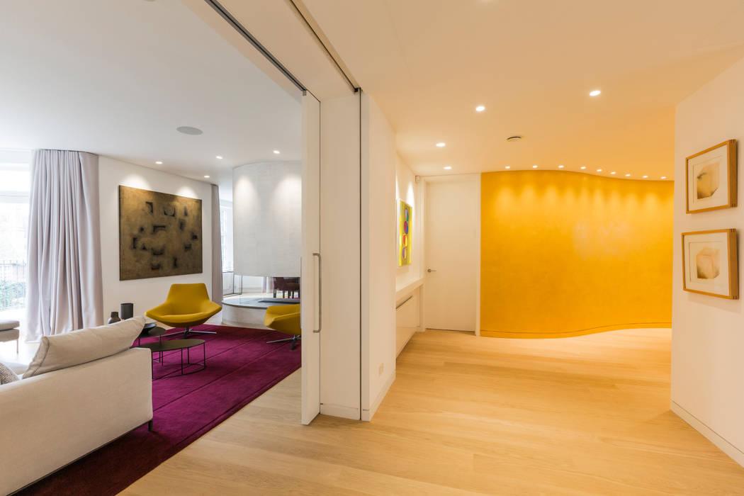 Hallway モダンスタイルの 玄関&廊下&階段 の Studio Mark Ruthven モダン