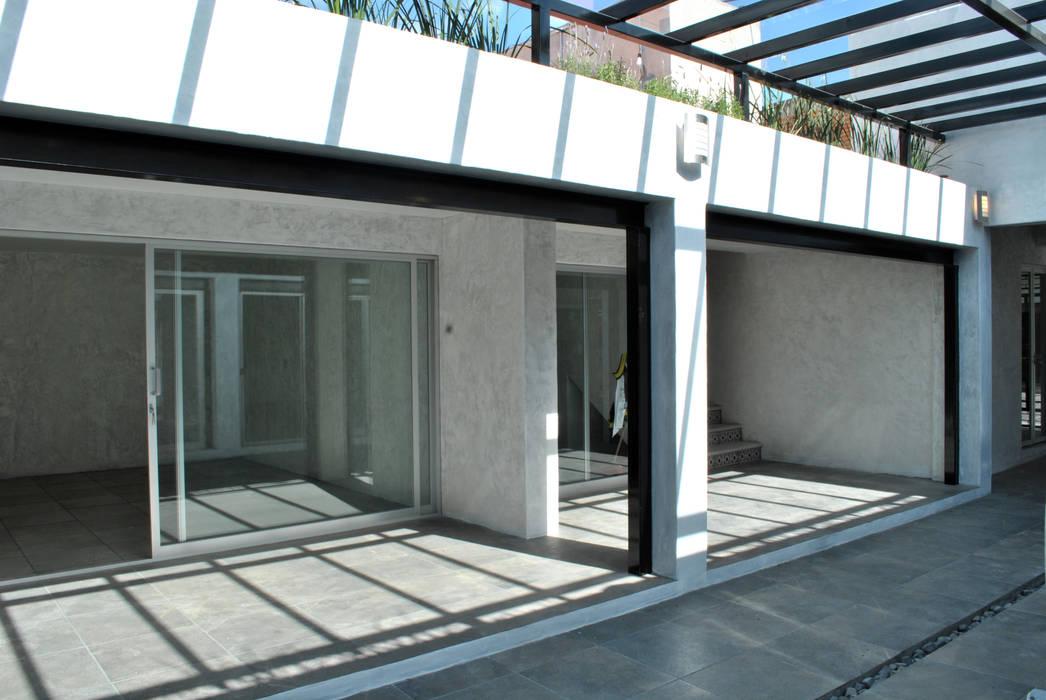 TERRAZA: Espacios comerciales de estilo  por Novhus Oficina de Arquitectura