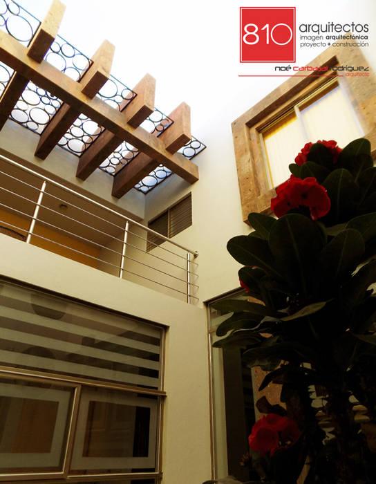 Casa Habitación y Notaria Parroquial : Terrazas de estilo  por 810 Arquitectos
