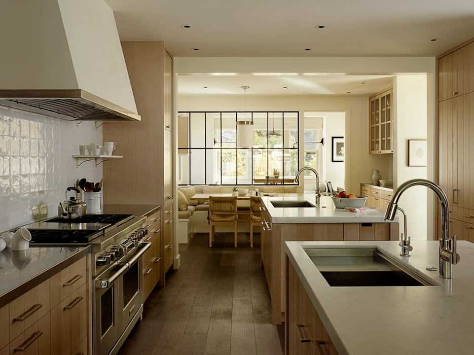The Grange:  Kitchen by Feldman Architecture