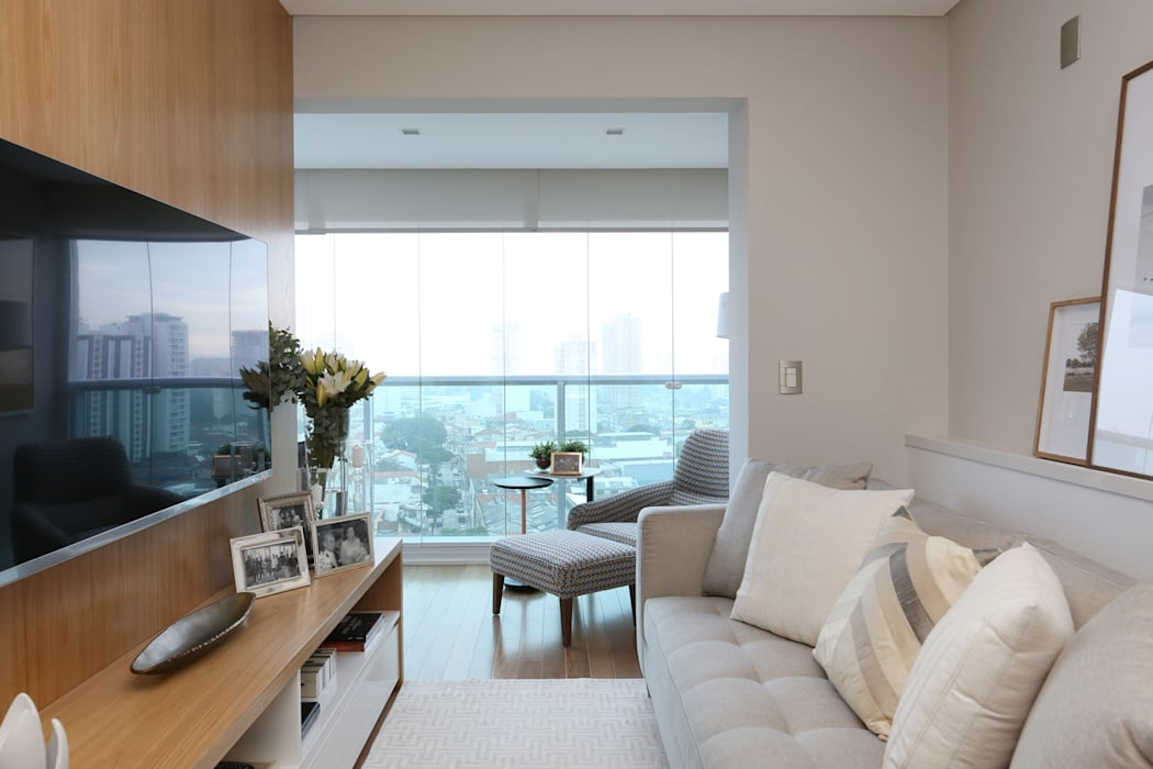 Sala e Varanda Integrada Salas de estar modernas por Danyela Corrêa Arquitetura Moderno Madeira Efeito de madeira