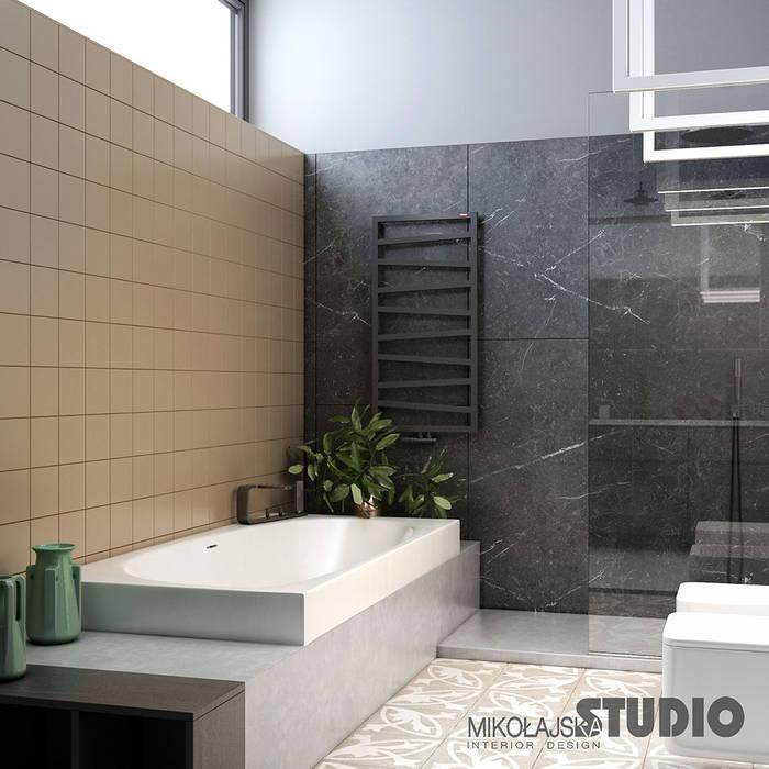 Schwarzer marmor badezimmer: badezimmer von mikolajskastudio,   homify