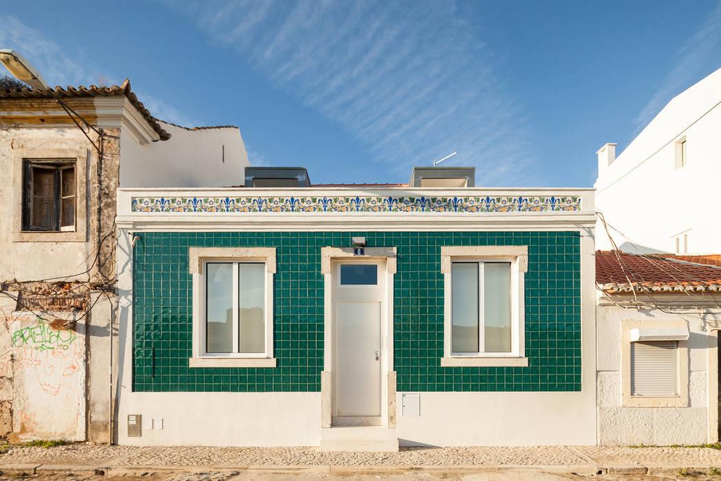 Casas de estilo minimalista de Colectivo Cais Minimalista