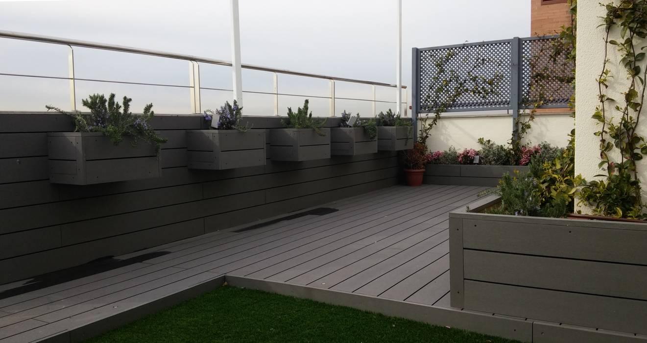 Jardineras colgantes de La Patioteca Moderno Compuestos de madera y plástico