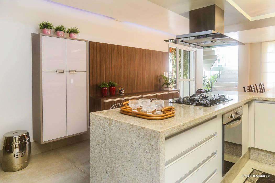 COZINHA COM CONCEITO ABERTO DMA Cozinhas modernas por L+W Arquitetos Moderno