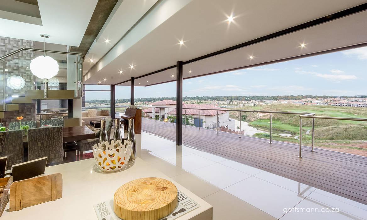 Cuisine moderne par Gottsmann Architects Moderne Verre