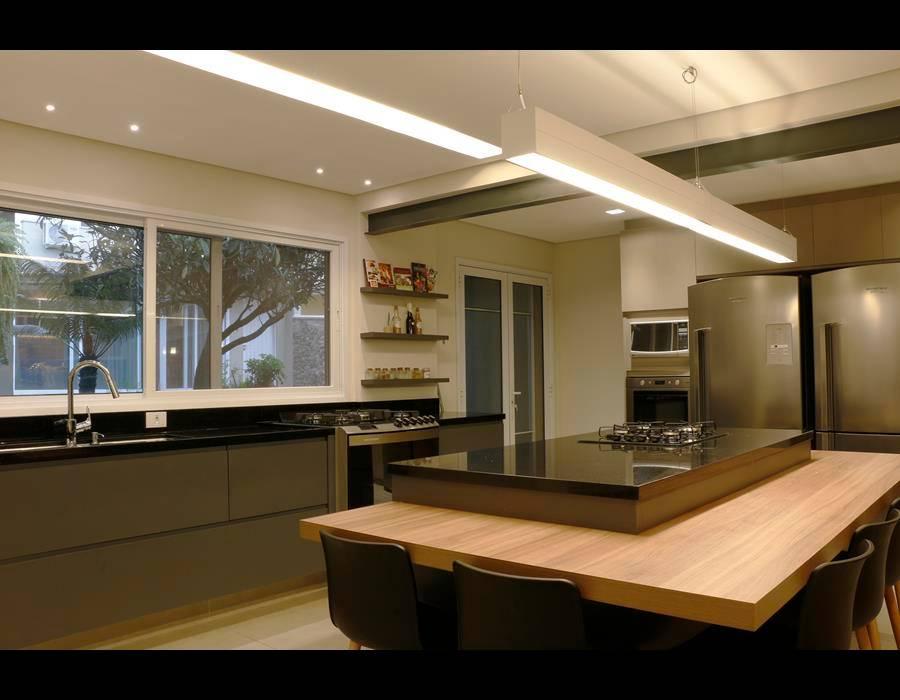 Cozinha Gourmet 2 Cozinhas modernas por MONICA SPADA DURANTE ARQUITETURA Moderno