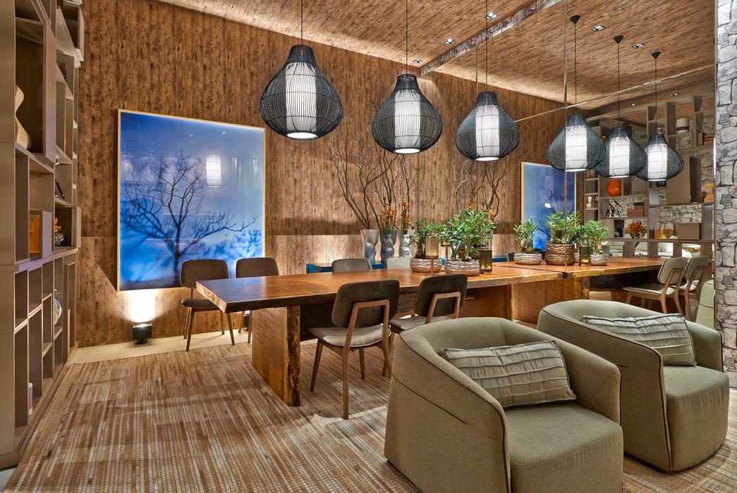 Salle à manger rustique par Luciana Savassi Guimarães arquitetura&interiores Rustique