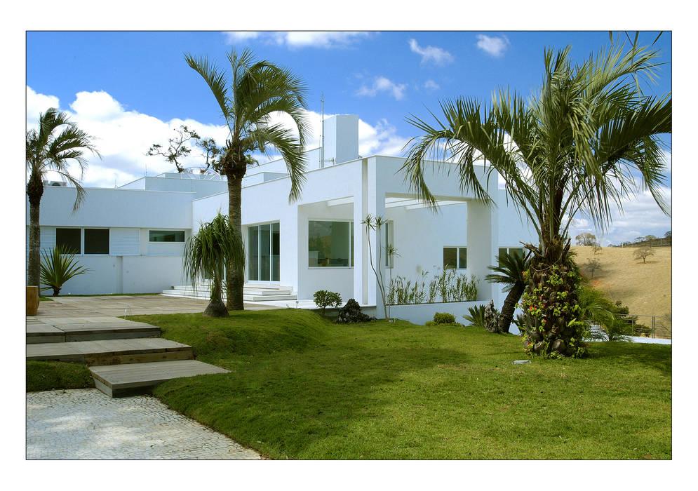 Rumah Gaya Country Oleh Luciana Savassi Guimarães arquitetura&interiores Country