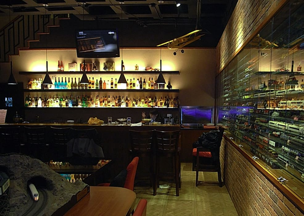 Classic bars & clubs by 直譯空間設計有限公司 Classic