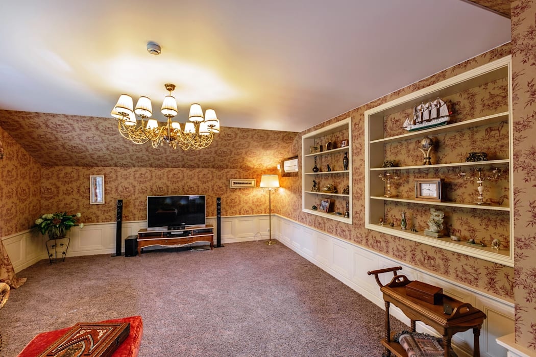 Classic style media room by Дизайн бюро Оксаны Моссур Classic