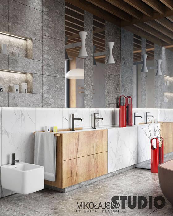 Beton, holz und marmor im bad: badezimmer von mikolajskastudio | homify