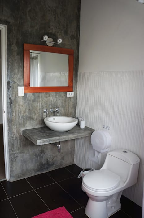Rustic style bathrooms by malu goni Rustic