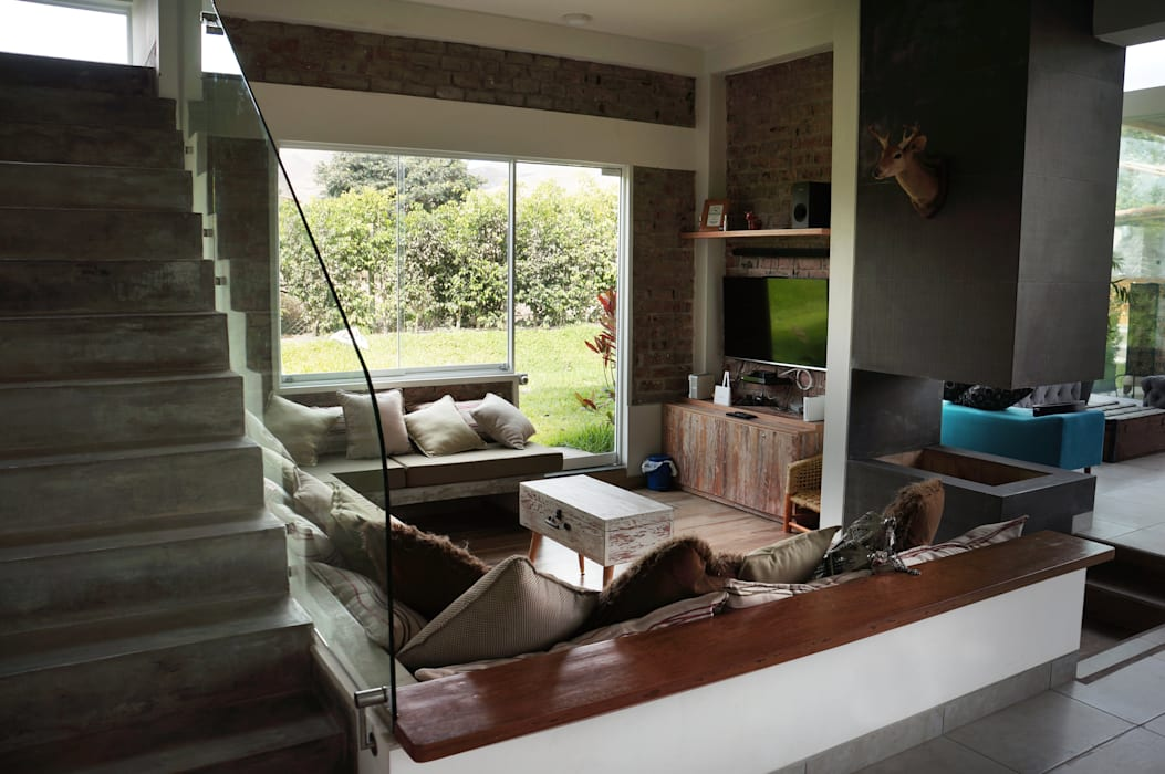 malu goni Rustic style living room