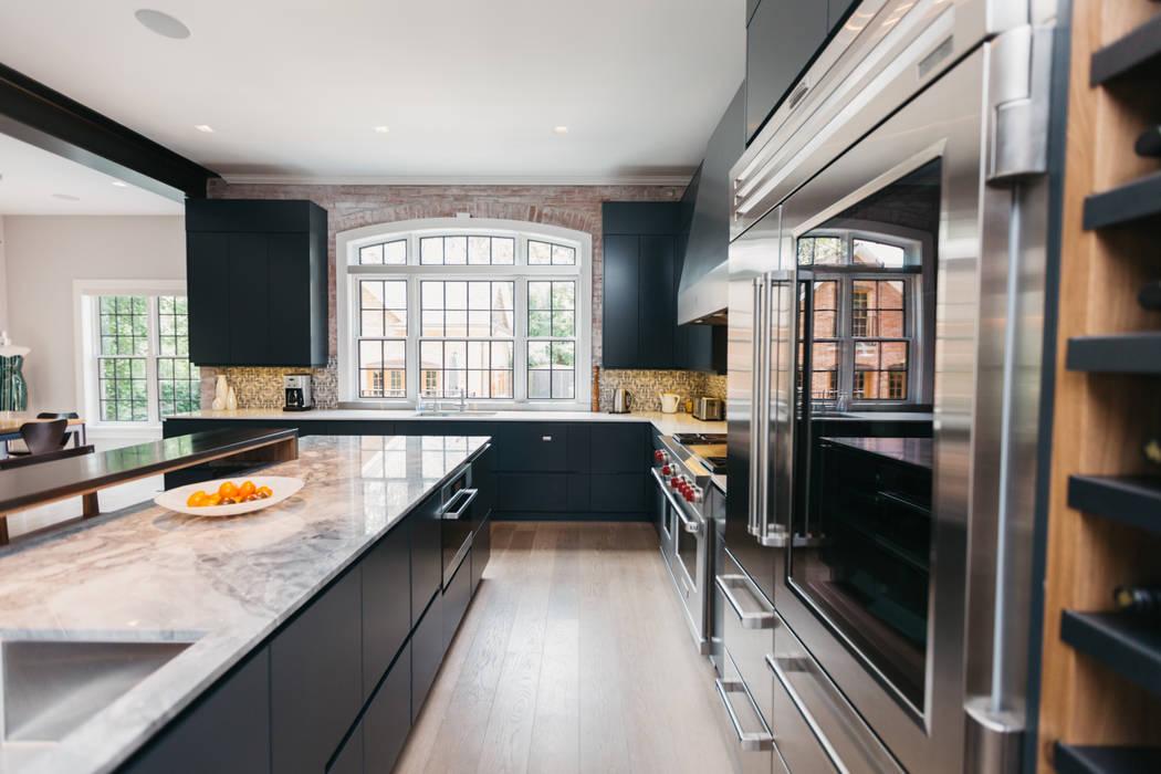 Kitchen by FLUID LIVING STUDIO,