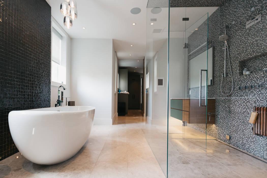 Bathroom by FLUID LIVING STUDIO, Modern