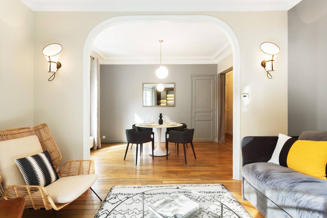 Dining room by Catherine Plumet Interiors