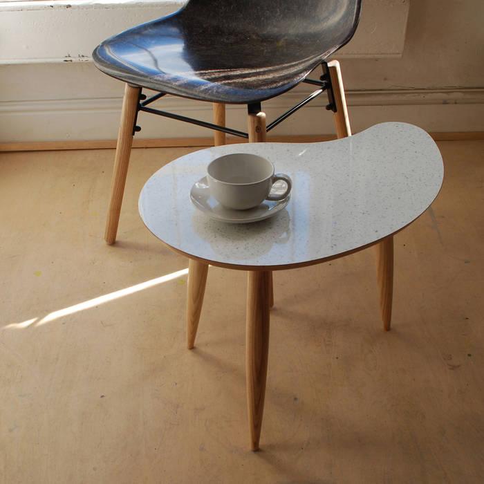 modern  by Curvalinea, Modern