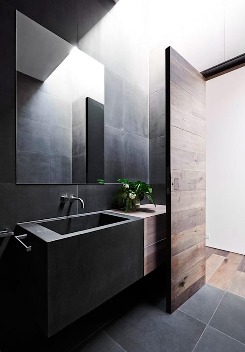 Bathroom: Casas de banho  por No Place Like Home ®
