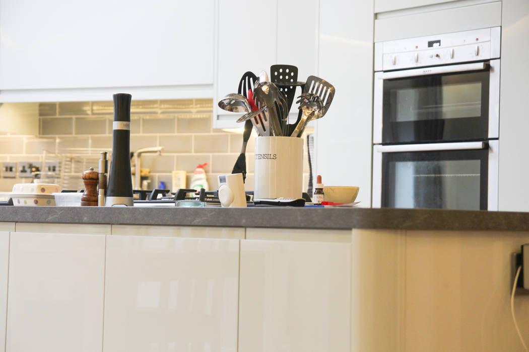 Beckenham Extension Modern Kitchen by Bolans Architects Modern