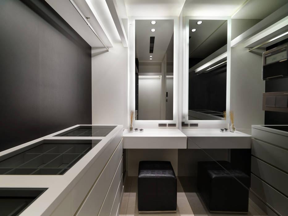 質感設計打造年輕人最愛現代風格:  更衣室 by 拾雅客空間設計