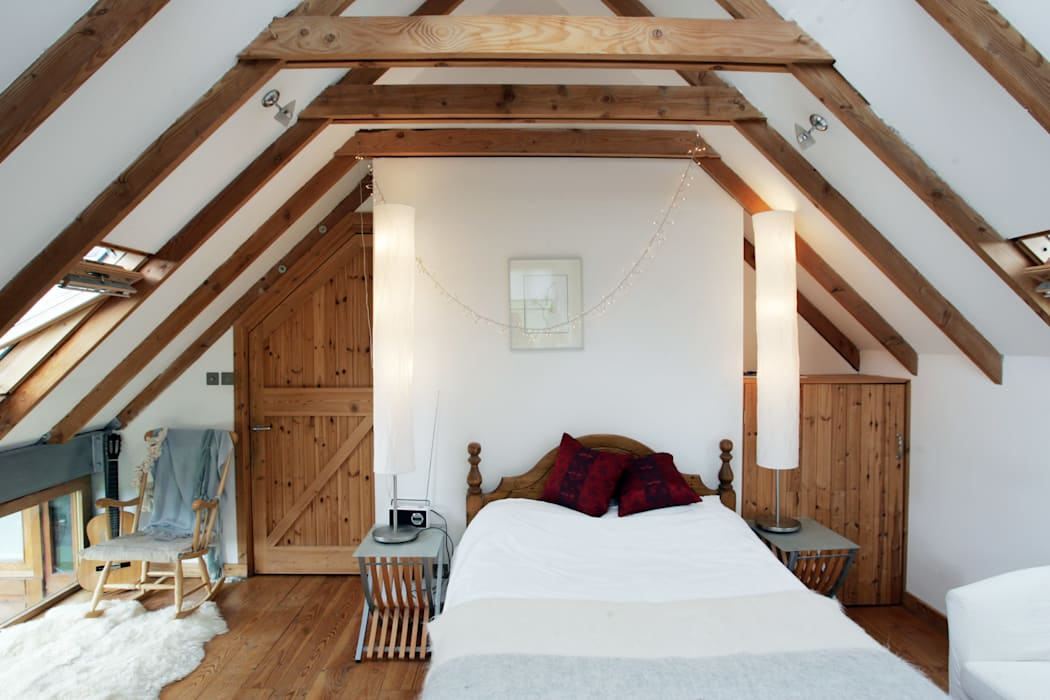 Bedroom by Retool architecture, Country