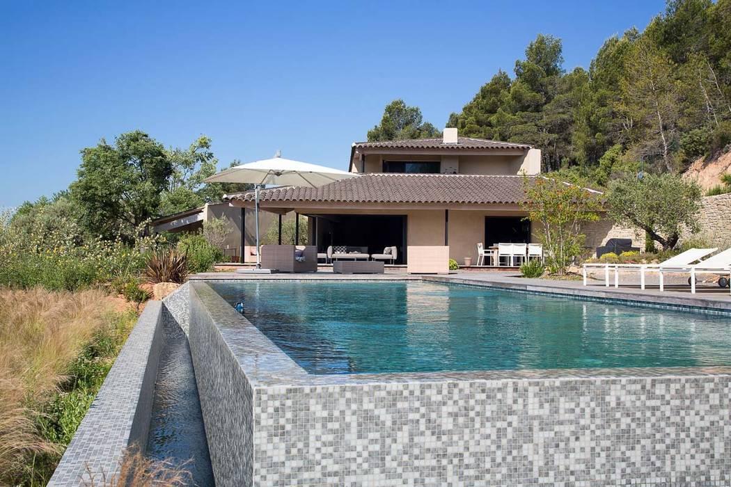 cr ation maison le tholonet piscines de style par atelier jean gouzy homify. Black Bedroom Furniture Sets. Home Design Ideas