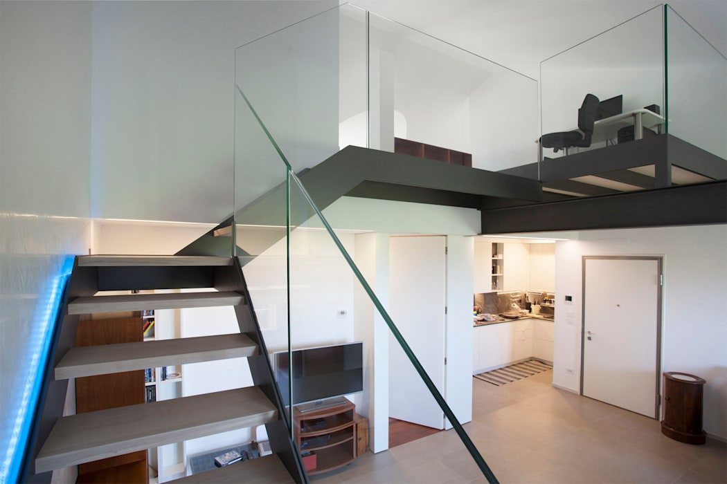 la scala principale Studio Dalla Vecchia Architetti Soggiorno moderno Ferro / Acciaio Grigio